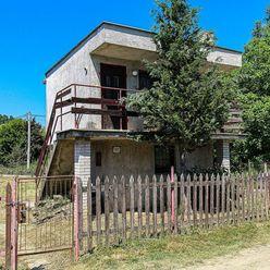 CASMAR RK / Murovaná chata v chatovej oblasti Čergov