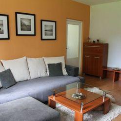 Prenájom 2 - izb. bytu s loggiou v Dúbravke na Bagarovej ul.