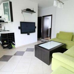Klimatizovaný, zrekonštruovaný 2i byt, balkón, Skalická cesta, 499,-€