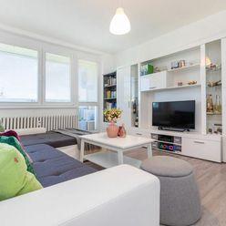 Nádherný svetlý 3 izbový byt s klimatizáciou a veľkou loggiou