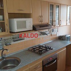 Trnava-3-izbový byt na Hlinách, o výmere 67m2, prerobený, ihneď voľný!!