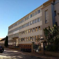 Prenájom - Kancelárske priestory - Banská Bystrica