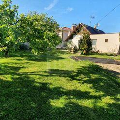 Directreal ponúka Atraktívny pozemok so starším domom v tichej časti priamo pod Bôrikom, 1077 m2, St