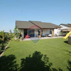PREDAJ: 4 izb. rodinný dom, novostavba, pozemok 616 m2, Veľký Biel.