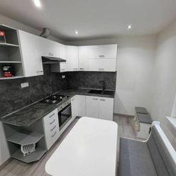 Novinka !!! 1 izbový 44 m2 byt po kompletnej rekonštrukcii s balkónom