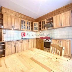Priestranný 2,5 izbový byt v Prakovciach, okr. Gelnica + parkovacie miesto (F075-113-ANEa)