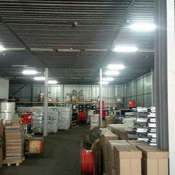 Skladové alebo výrobné priestory na Jazere o výmere 800 m2