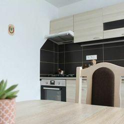 Prenájom 1-izbového bytu, čiast. zariadený, rekonštruovaný, sídlisko Lúčky BOJNICE