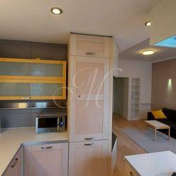 Krásny moderný 3,5 izbový byt v Starom meste