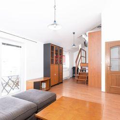 Na predaj 2 izbový loftový byt v Starom Meste s balkónom do tichého dvora