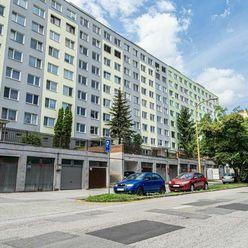 TURGENEVOVA - garáž v radovej zástavbe, 18 m2, VOĽNÁ IHNEĎ