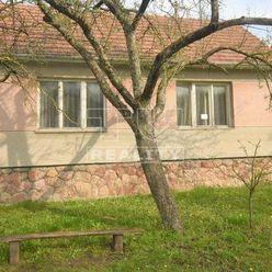 Starší rodinný dom, krásny pozemok 1447m2, Smolenice, okr. Trnava