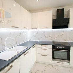 Na predaj 3-izbový byt s lodžiou, 67 m², kompletná rekonštrukcia, Svätoplukova ul. Senec, kúpou voľn