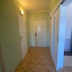 NOVINKA, 1 izbový byt na predaj, 35 m2 + balkón, Dunajská Streda