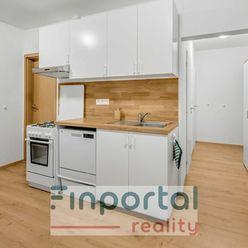 Na predaj zrekonštruovaný 4 izbový byt v Petržalke