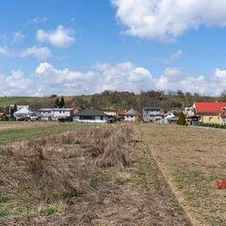 Rozľahlý stavebný pozemok v obci Gyňov - 2069 m2