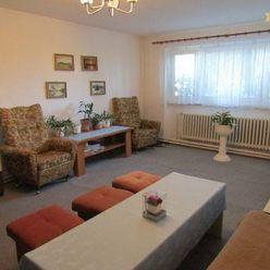 Predáme priestranný rodinný dom, 220 m2, pozemok 2.129 m2, Nitra