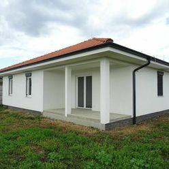 PREDAJ/Nízkoenergetická novostavba s veľkým pozemkom 724 m2/Váhovce