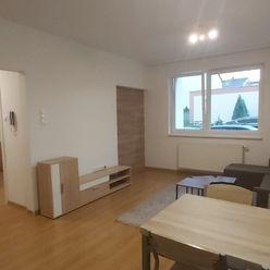Krásny svetlý 2 izbový byt v centre na prenájom