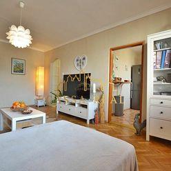 Priestranný 3-izbový byt (75m²) s loggiou v časti Komenského