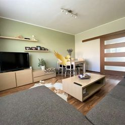 NA PREDAJ krásne prerobený a zariadený 3-izbový byt v Sásovej