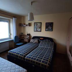 Ponúkam na predaj čiastočne rekonštruovaný 2i byt