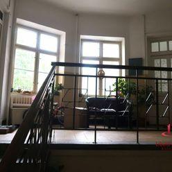 Nadštandartne priestranný 3-izbový byt
