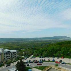 PREDAJ BYTU – REZERVOVANÝ 4 izb. byt 90 m2, Karlova Ves Dlhé Diely, bývanie v prírode.