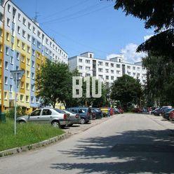 Rezervované - Priestranný 3-izbový byt Solinky