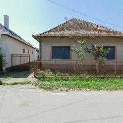 Surani RK / Rodinný dom, Pozemok o výmere 1307m2, Svätoplukova ulica - Chorvátsky Grob.
