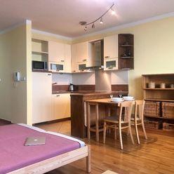 1-izbový byt v Koloseu na Tomášikovej ulici pri Kuchajde - VIDEO