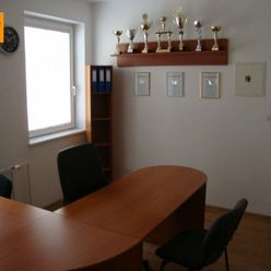 Reality holding+ ponúka Kancelárie na prenájom Trenčín centrum Nám. sv. Anny - s balkónom