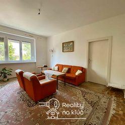 Tehlový 3-izbový byt s loggiou v centre mesta v Nových Zámkoch