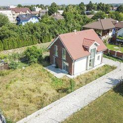 KOVÁCSOVA, 951 10 RUSOVCE-5i rodinný dom v súkromnej ulici, novostavba pred dokončením