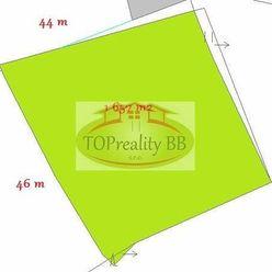 Veľký slnečný pozemok 1 650  m2,   B. Bystrica - vhodné pre ranč, chov koní - cena 24 000€