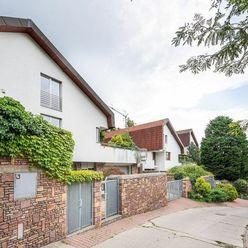 Moderný rodinný dom v skvelej lokalite - Rezervované