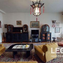 LEGEND - 3D - Originálny dom Radošina, pozemok 799 m2, tichá ulička, garáž