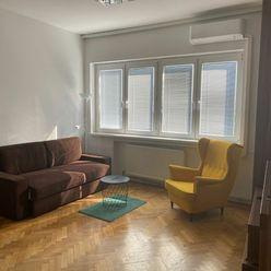 Ponúkame Vám na prenájom krásny, klimatizovaný 1-izbový byt na Záhradníckej ulici v Bratislave