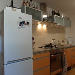 REZERVOVANÉ 1-izbový tehlový zrekonštruovaný byt 35 m2 Trenčín-Shoť I.