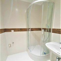 *Remarco* ponúka na predaj slnečný 2 - izbový byt s pekným výhľadom v meste Galanta - Sever