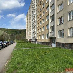 3 izbový byt 65 m2, loggia, 7/9 p, Ladožská ul., Nad Jazerom