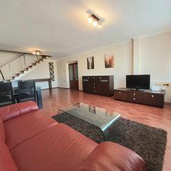 NA PRENÁJOM:Veľký, 4 izbový mezonetový byt o rozlohe domu priamo v centre mesta s troma balkónmi a p