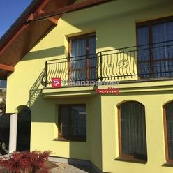 V lukratívnej štvrti nádherná vila v Bardejove (F141-12-ANM)