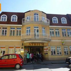 Reality holding+ ponúka Trenčín centrum Legionárska na prenájom obchodné priestory - TOP ponuka