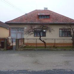 ! Rezervácia ! Ko-real, ponúkame na predaj rodinný dom v obci Čachtice