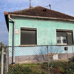 Ponúkame na PREDAJ tehlový rodinný dom v obci Marcelová