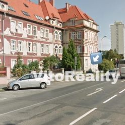 NA PREDAJ 118 m2, na rohu medzi Štúrovou a Cintorínskou ulicou, vhodné aj ako kancelárske priestory