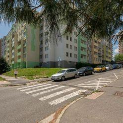 360° Predaj 3i bytu, kompletná rekonštrukcia, 70 m2 + 10 m2 dve loggie, Tománkova ul., Dlhé Diely.
