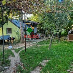 Suchá nad Parnou -ponúkame na  predaj chatku so záhradkou exluzívne iba v Kaldoreal !!!