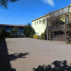 Na predaj polovica budovy, 1. poschodie - 619,20 m2 + parkovacie ploch